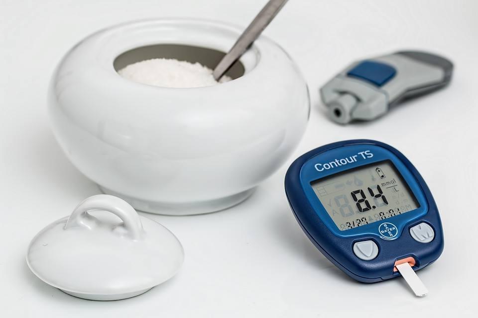 هل تعلم متى نعتبر الشخص مصاباً بارتفاع السكر وماهي قراءات السكر الطبيعية؟! do.php?img=44942