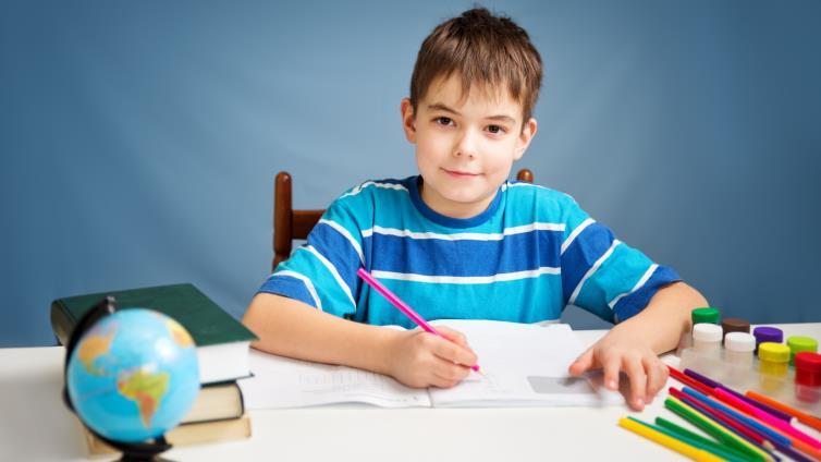 لماذا يحب بعض الأطفال المذاكرة؟ do.php?img=50446