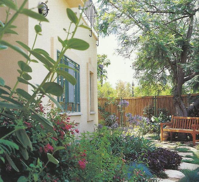تصاميم حدائق منزلية صغيرة 13326845431.jpg