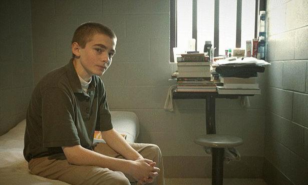اصغر طفل فى العالم محكوم عليه بالسجن المؤبد 1386753613751.jpg