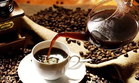 يفضل تفوير القهوة بعد غليها 1396295758191.jpg