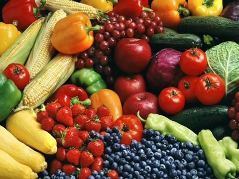 كيف يمكننا التخلص من المواد الكيماوية الموجودة في الخضروات والفواكه ؟ 1397151875611.jpg