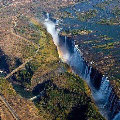 صورة رائعة لشلالات فيكتوريا في زيمبابواي 1397933607181.jpg
