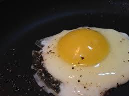 البيض مع زيت الزيتون ليس مضرا... 1399572413291.jpg