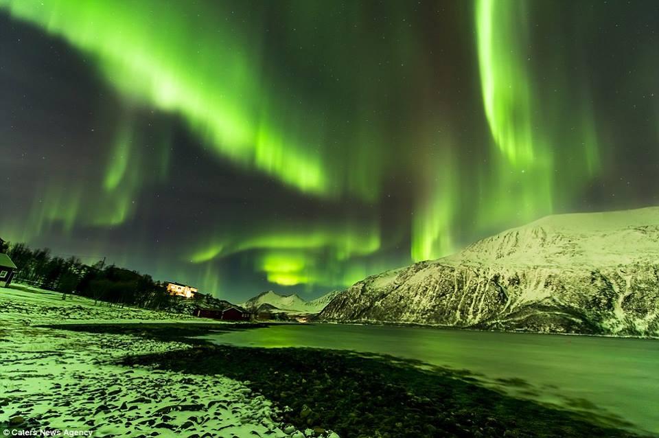 الشفق القطبي المذهل 1405206258241.jpg