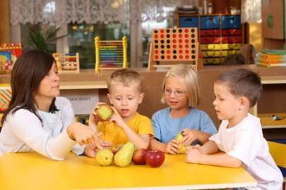 كيف أساعد طفلي على اكتساب عادات غذائية صحية؟ 1413094661341.jpg