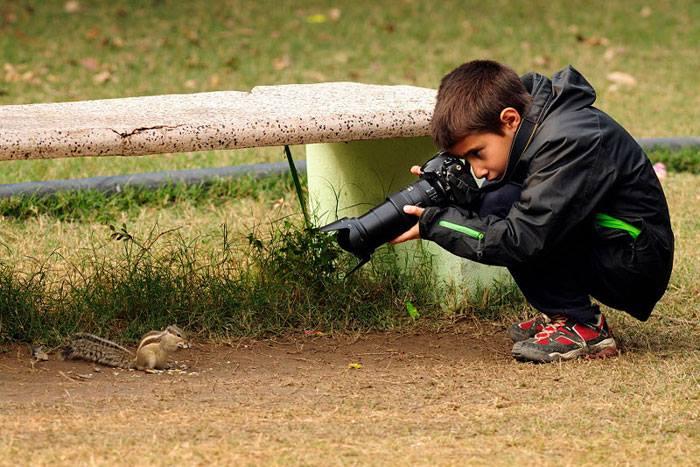 """اسباني بعمر التاسعة يفوز بجائزة """"مصور العام"""" البريطانية 1414832117771.jpg"""