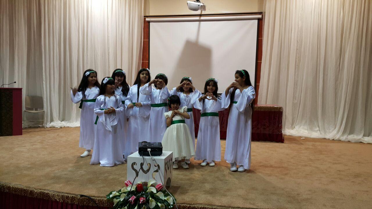 مشاركة طالبات الابتدائية الاربعون في فقرة عاصفة الحزم في ختام حفل الانشطة  للعام 1435هـ 1432910663542.jpg
