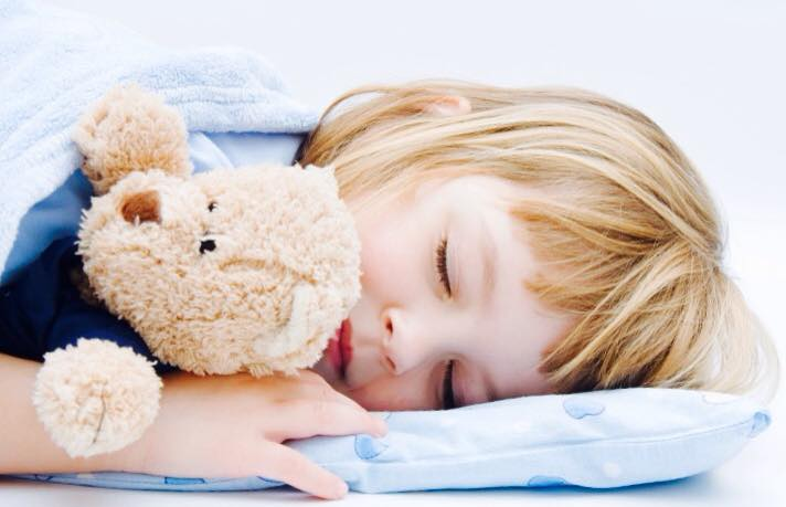 القواعد و الأسس الصحية لنوم الأطفال 1435214603631.jpg