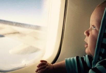 الأطفال و الطائرة ..... نصائح و توصيات 1435222142031.jpg