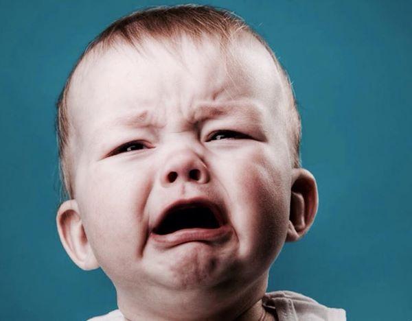 أسباب بكاء الطفل و طرق تمييزها 1435222371791.jpg