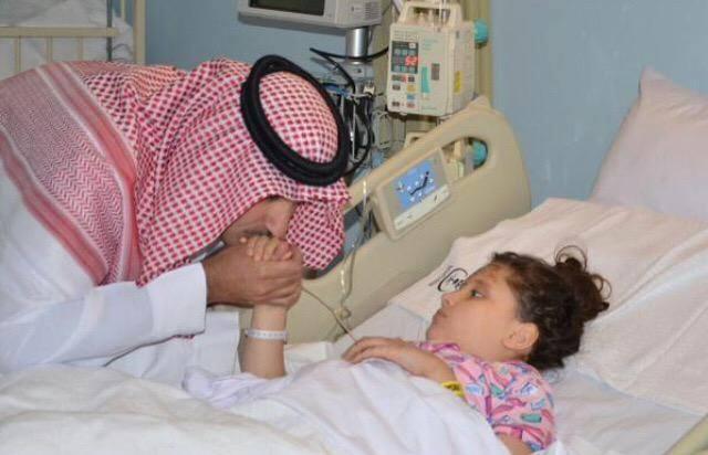 امير المدينة المنورة يتكفل طفلة سورية بعد فقد ذويها 1435478558211.jpg