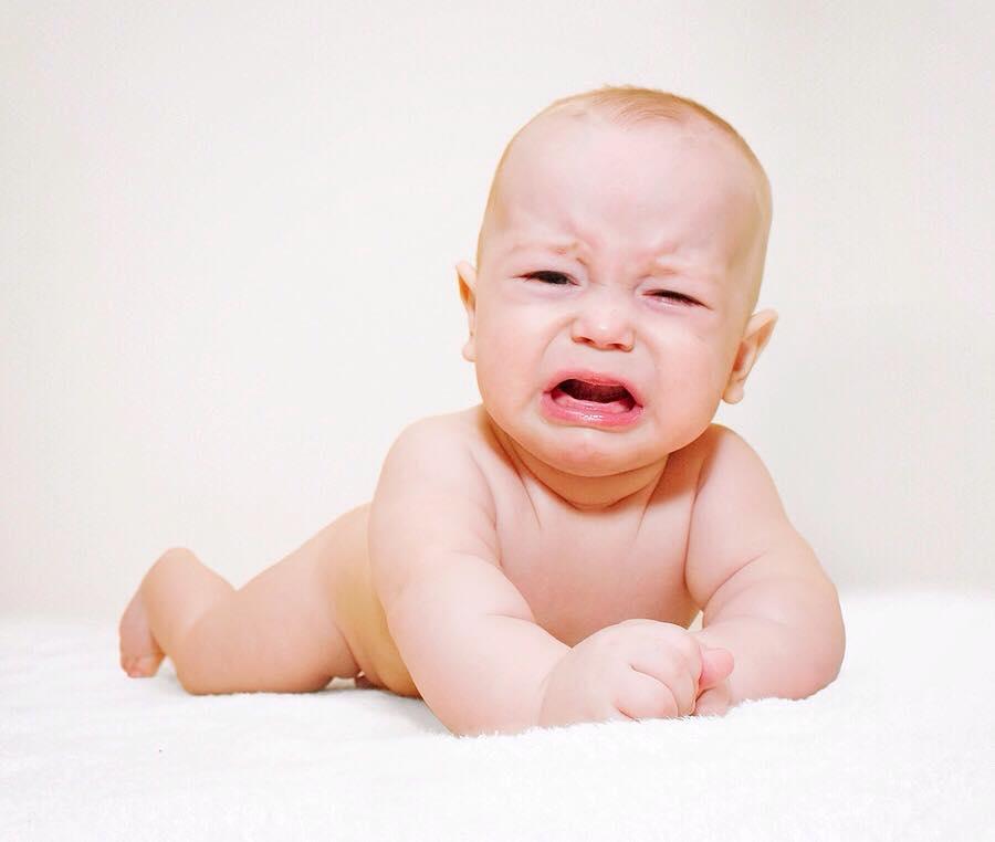 الخوف و القلق الشديد كلما بكى الطفل 1436338415191.jpg