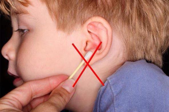 يجب عدم إدخال حامل القطن ( Q-Tip ) داخل أذن الطفل 1436348134621.jpg