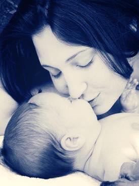 لا تُقبِلّو kiss أطفالكم من الفم 1436874994411.jpg