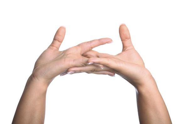 عادة طقطقة الأصابع 1436875426661.jpg