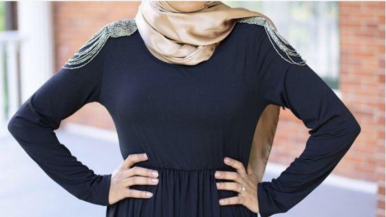 بالصور:أفكار لإرتداء الفستان الماكسي الأسود للمحجبات 1437697168381.jpg