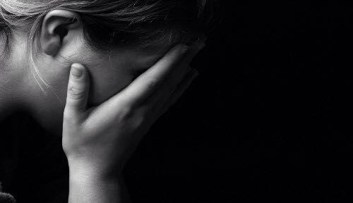 هل الحزن أو الشدة النفسية يقلل حليب الأم ؟ 1439216741571.jpg