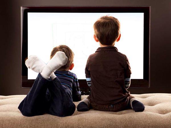 آثار مشاهدة التلفاز على الأطفال ..... توصيات و نصائح 1439219161961.jpg
