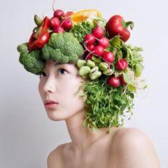 الأطعمة التي تزيد طول الشعر و تجعله ذو مظهر صحي و لامع ... 1440621735962.jpg