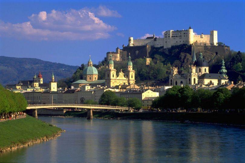 ما تود معرفته على المنح الدراسية في النمسا 1473237006841.jpg