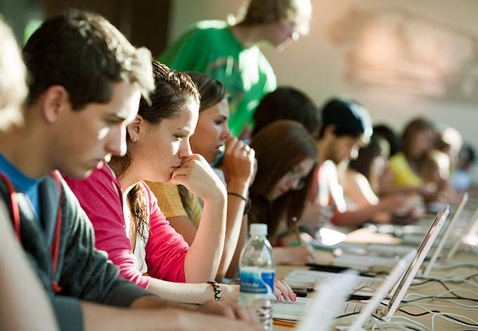 أفكار سريعة للطلاب لنسف الملل والكآبة من الحياة الجامعيّة 1475233721481.jpg